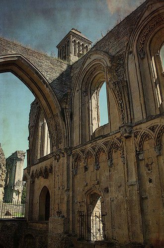 TT-Kristin-Glastonbury-Abbey-w