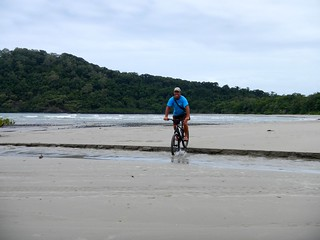 Mountainbiking at Cape Tribulation