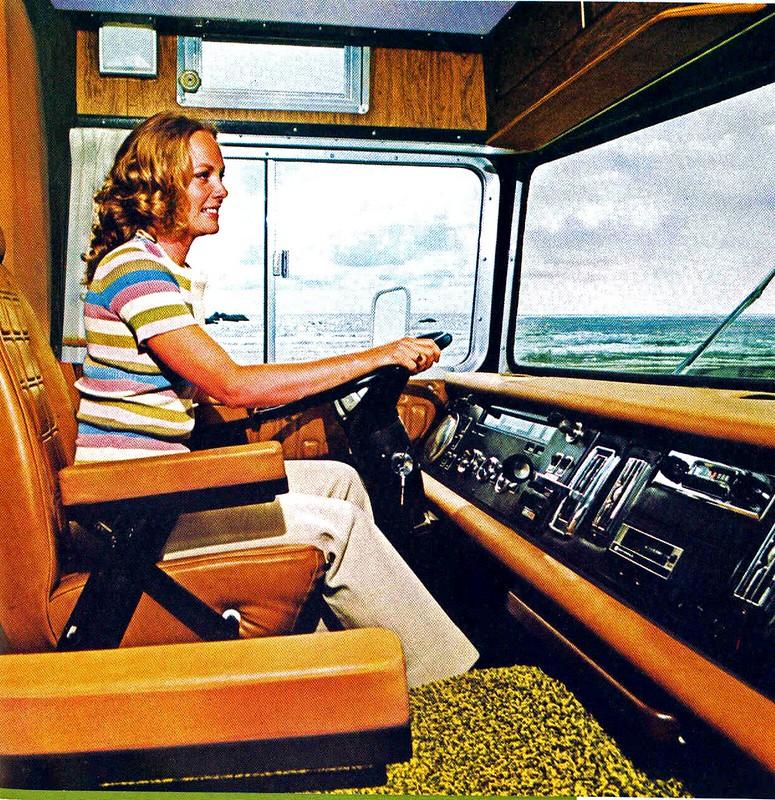 Fantastic Winnebago Brave 1974 Motor Home  RV Trailer Camper Vanagon  3500