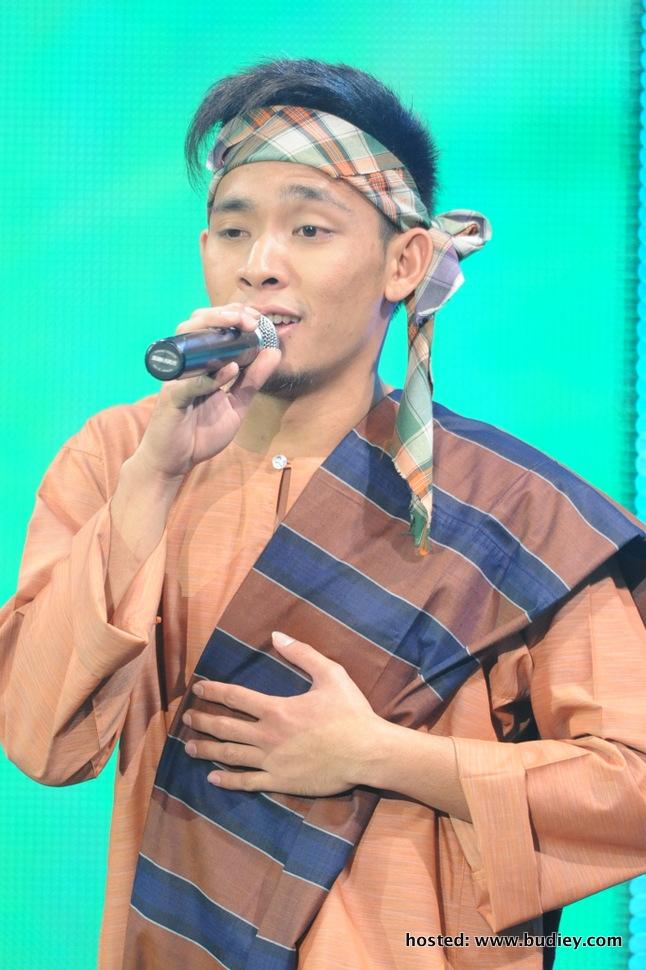 Yus yang tampil dengan lagu 'Ghazal Asmara', lagu asal Jamal Abdillah