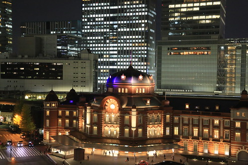 New Old Tokyo Station Night View (test ISO6400)