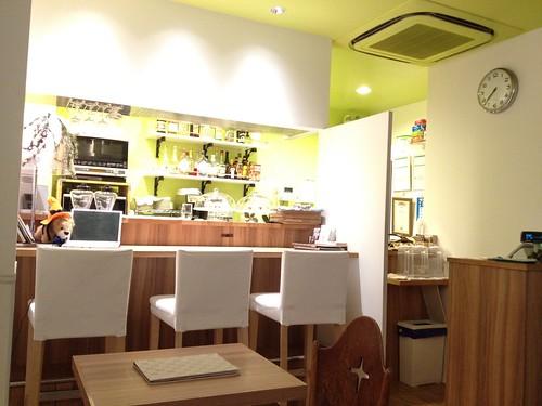清潔感のあるカウンター@オーチャード カフェ(Orchard Cafe)
