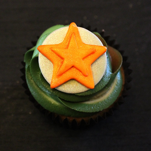 Tristan's army theme camouflage cupcakes 05