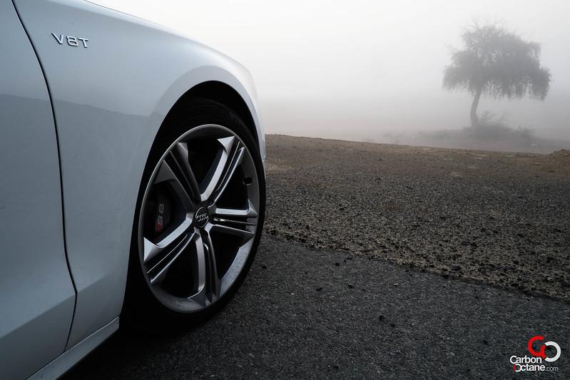 2013_Audi_S8-3.jpg