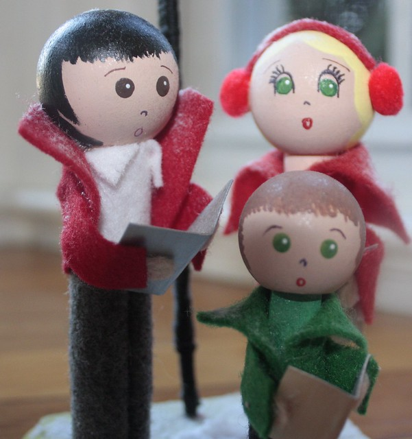 Christmas carolers clothespin dolls peg dolls christmas decorations