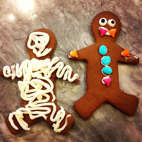 Will made a vampire so I did a mummy, because mummy's have lots more buttercream than a regular gingerbread man!