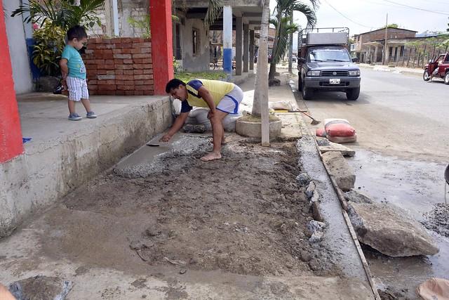 Aguas del Chuno repara daños en calle Pichincha