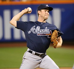 Braves starter Ryan Weber delivers a pitch in the second inning vs. the Mets.