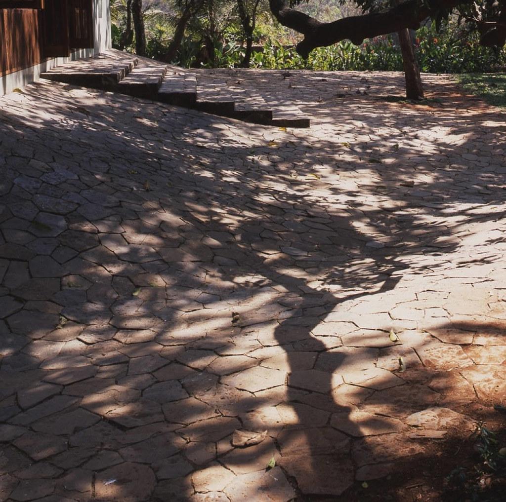 40-ch2-stone-paving