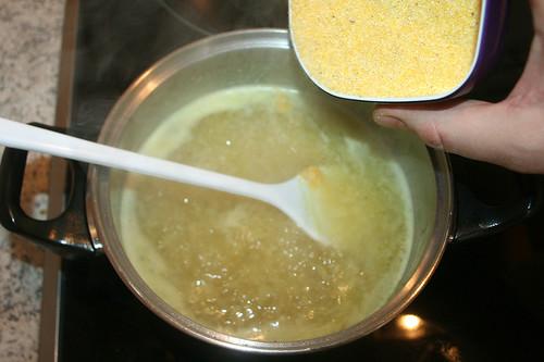 21 - Polenta einrühren / Stir in polenta