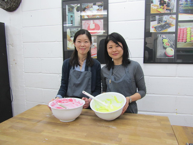 Making macarons with On Cookery School