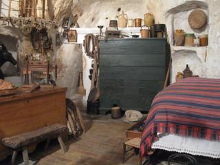 2012-5-nov-bari-056-casa grotta