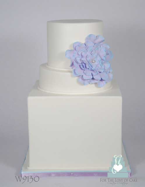W9130 Simple White Purple Wedding Cake Toronto