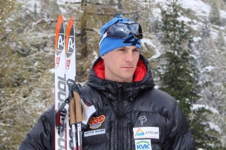 Běžec na lyžích Jakš utrpěl únavovou zlomeninu žebra