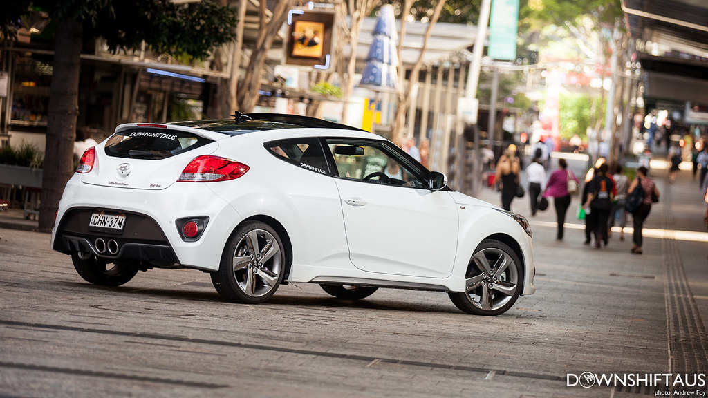 Review: Hyundai Veloster Turbo | Downshift