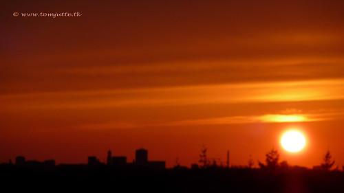 travel sunset sky cloud sun holland color colour nature netherlands dutch clouds iceland zonsondergang europe skies colours view apartment air natuur wolken sunsets scene panasonic ash sunrises lucht zon eruption vulcano zeist webshots tz5