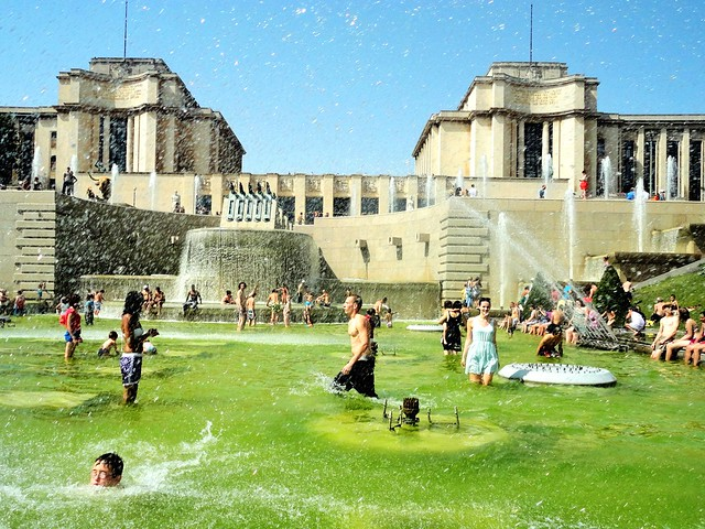 The fountain in jardins du trocadero flickr photo sharing for Jardin trocadero