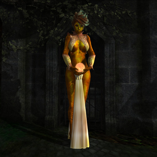 Golden Sorceress