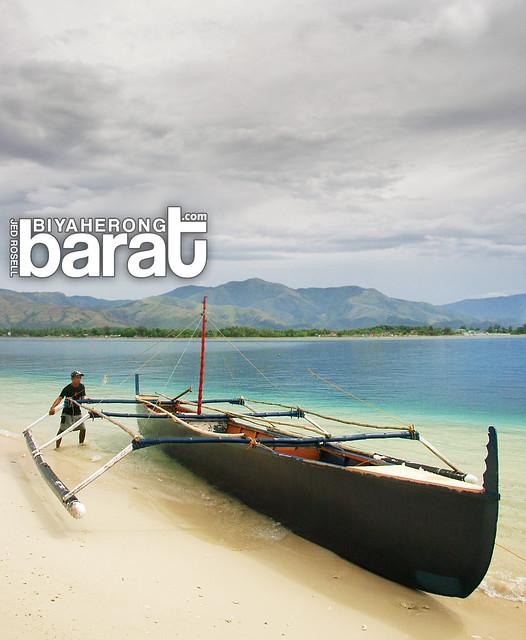 boat white sand in Potipot Island zambales