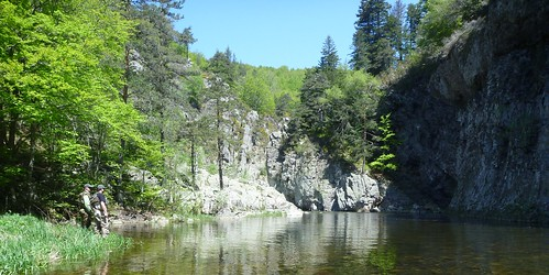 Nature sauvage - Gorges de la Loire - Ardèche - Fly fishing in the south of France, in the beautiful area of the high-Ardèche, with its wild landscapes - Bruno BEUSSE Guide de Pêche en Ardèche