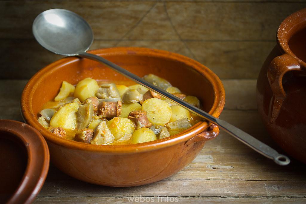 Patatas con setas y chistorra