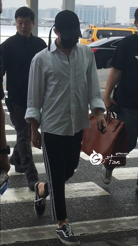 Big Bang - Incheon Airport - 24jun2016 - GD Fan - 02