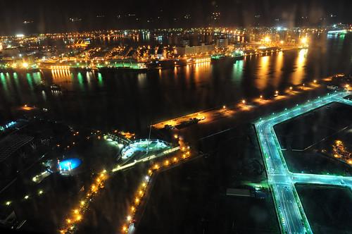 高雄85大樓俯瞰新光碼頭(海洋之星)、高雄港