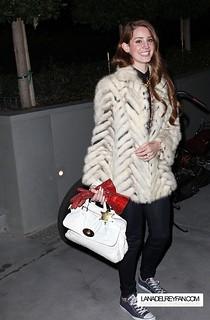 Lana Del Rey Converse Celebrity Style Women's Fashion