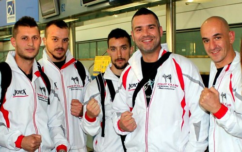 The Fight Club Galatsi Team flies to Australia.