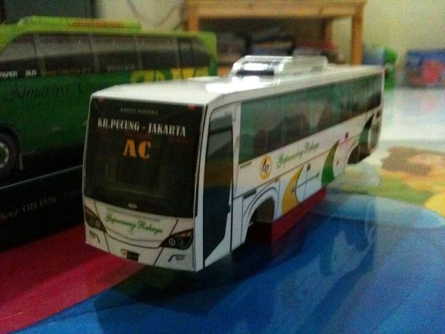 Paperbusmodel GR
