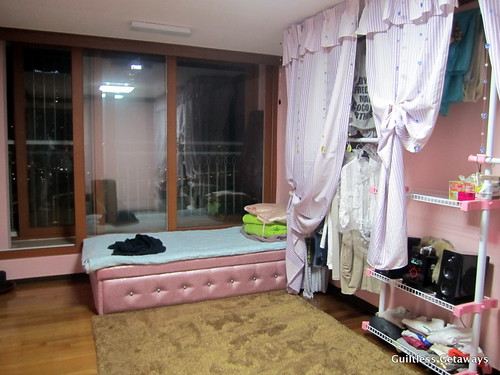 small-bedroom-homestay-korea.jpg