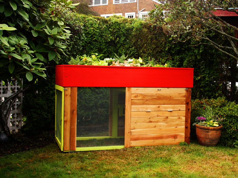Kippen house makes modern chicken coops for the urban for Modern chicken coop designs