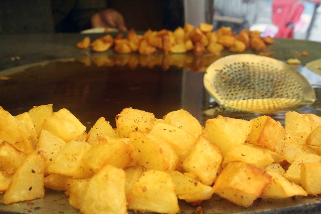 City Food - Aloo Chaat, KG Marg