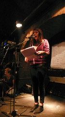 Yasmin Hafedh bei textstrom Poetry Slam Wien