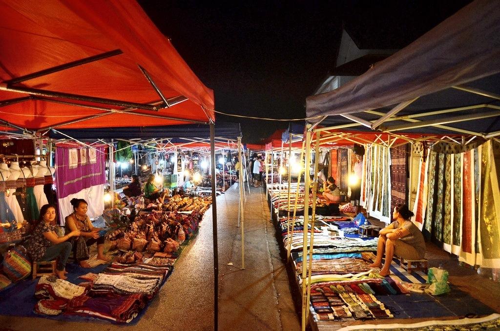 Resultado de imagen de luang prabang night market