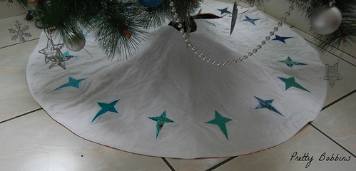 paper pieced tree skirt