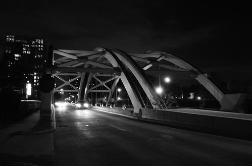 Montrose Boulevard Through Arch Bridge over US 59, Houston, Texas 1211302102BW