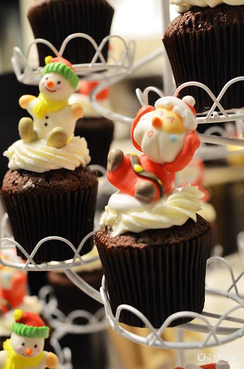 Cloudy cupcake07.jpg