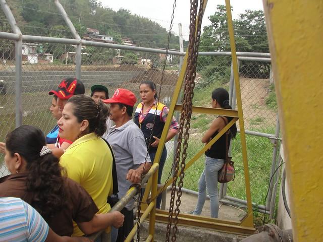 Habitantes de Punta y Filo fueron recibidos por la gerente de Aguas del Chuno