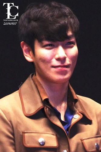 TOP-StageGreeting_Day2-LotteYongsan_20140907-(7)