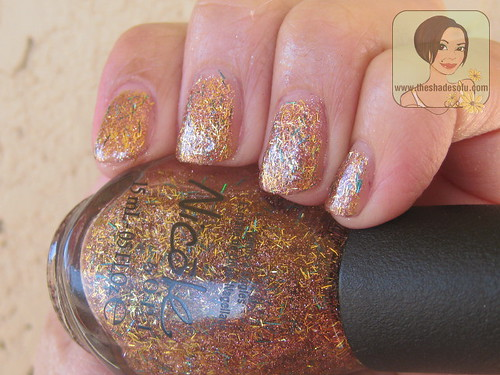Kardashian Kolors Nicole by OPI A Gold Winter's Night