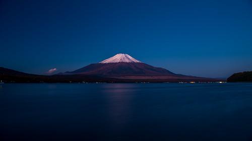 november autumn fall japan night fuji clear getty 日本 crazyshin yamanashi 2012 山中湖 富士 山梨県 南都留郡 afsnikkor2470mmf28ged 晴れの日 nikond800e 20121110d026258 8179186392 pwwinter