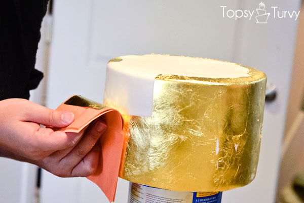 edible-gold-leaf-tutorial-cake-second-layer