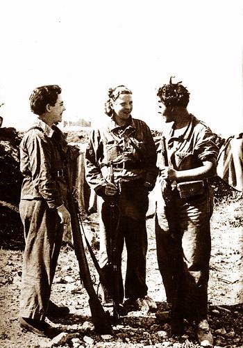Más Centelles por descubrir: «milicianas en el frente de Huesca, septiembre de 1936» by Octavi Centelles
