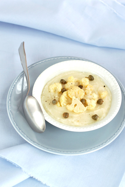 Cauliflower and lemon soup