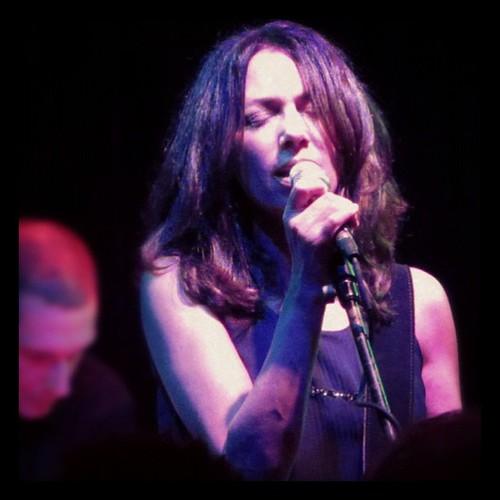 Susanna Hoffs @ Red Devil Lounge, SF. <3! #bangles