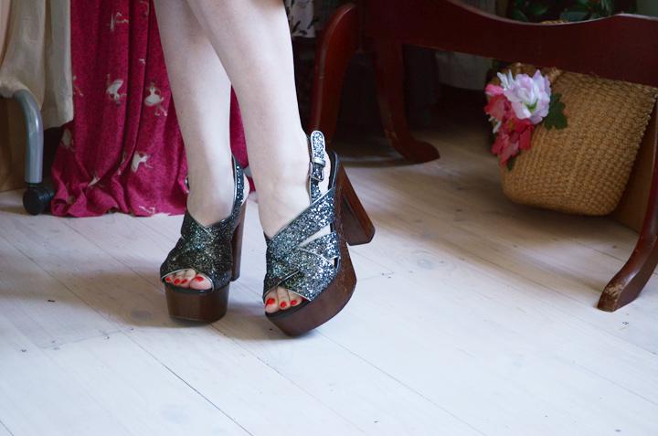 glitter platform shoes b
