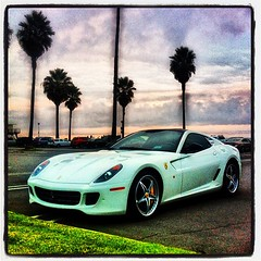 race car(1.0), automobile(1.0), automotive exterior(1.0), ferrari 599 gtb fiorano(1.0), wheel(1.0), vehicle(1.0), performance car(1.0), automotive design(1.0), ferrari s.p.a.(1.0), land vehicle(1.0), luxury vehicle(1.0), supercar(1.0), sports car(1.0),