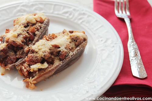 Berenjenas rellenas de salchicha roja www.cocinandoentreolivos (15)
