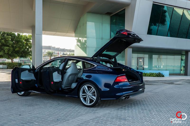 2013_Audi_S7-26.jpg